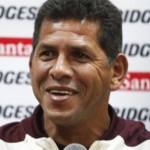 El Puma Carranza habla de las virtudes de Paco Casal con los jugadores.