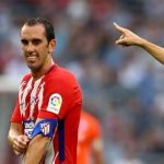 Diego Godín es expulsado en el partido contra El Nápoles