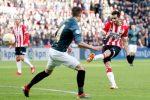 PSV ganó 2-1 a Brujas con un golazo de Gastón Pereiro